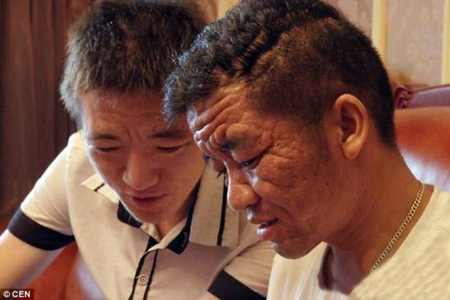 Yuan Taiping (right), 30, with brother Yuan Taihua (left), 25, who has also shown symptoms of the illness